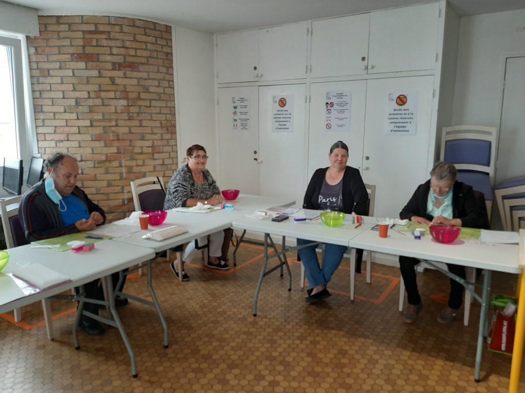 atelier de socio-esthétique beauté des mains association fil à fil de Lille