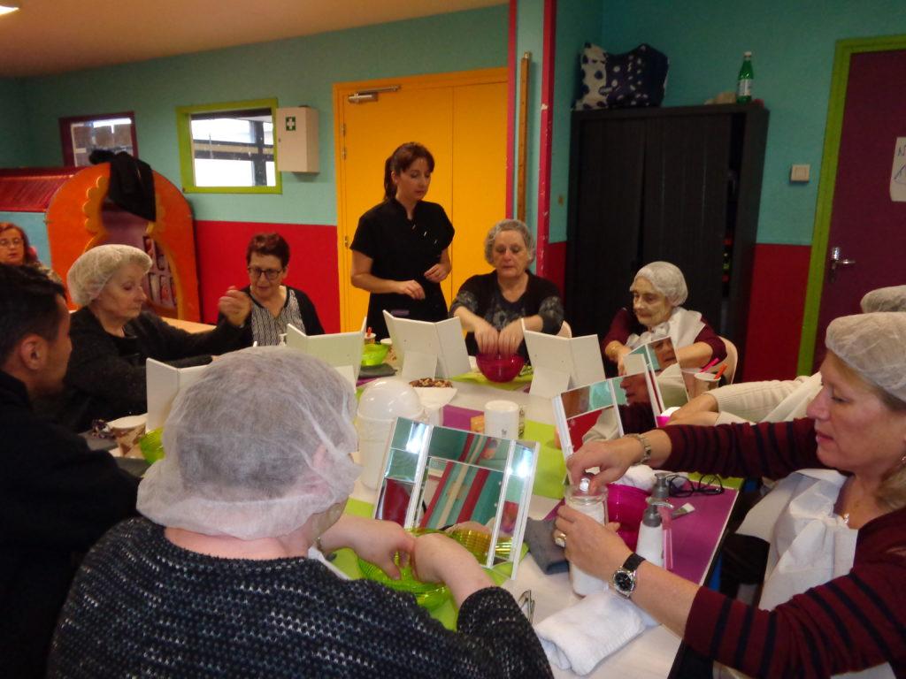 atelier de socio-esthétique soin du visage association fil à fil de Lille